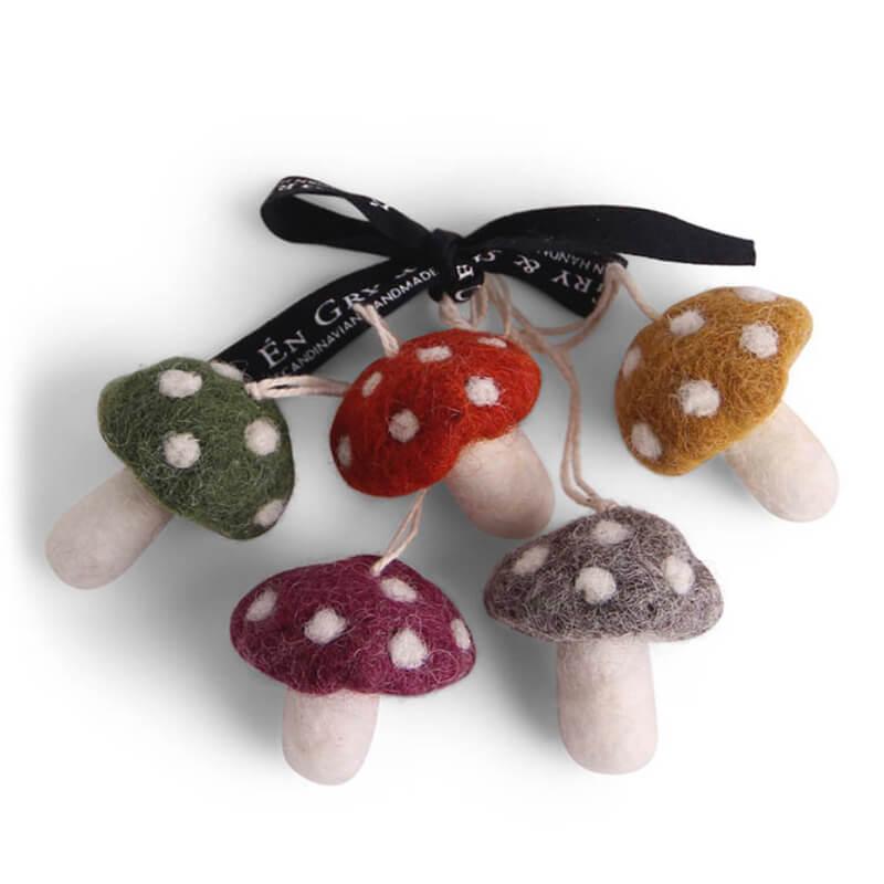 5 Felt Mushrooms